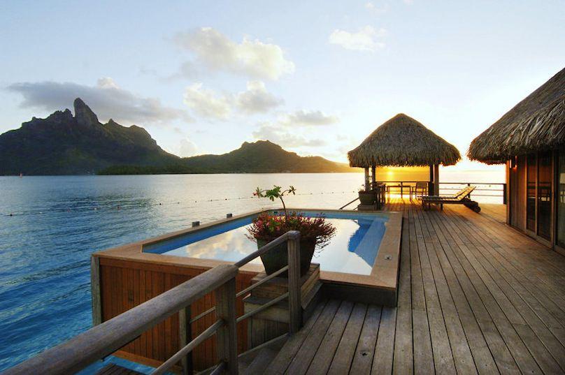 St. Regis Bora Bora Resort buchen 3