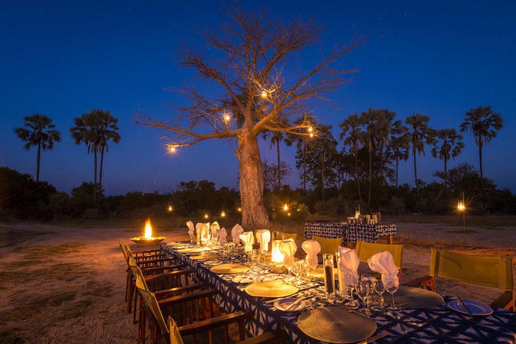 Kwetsani Camp Abendessen Tafel