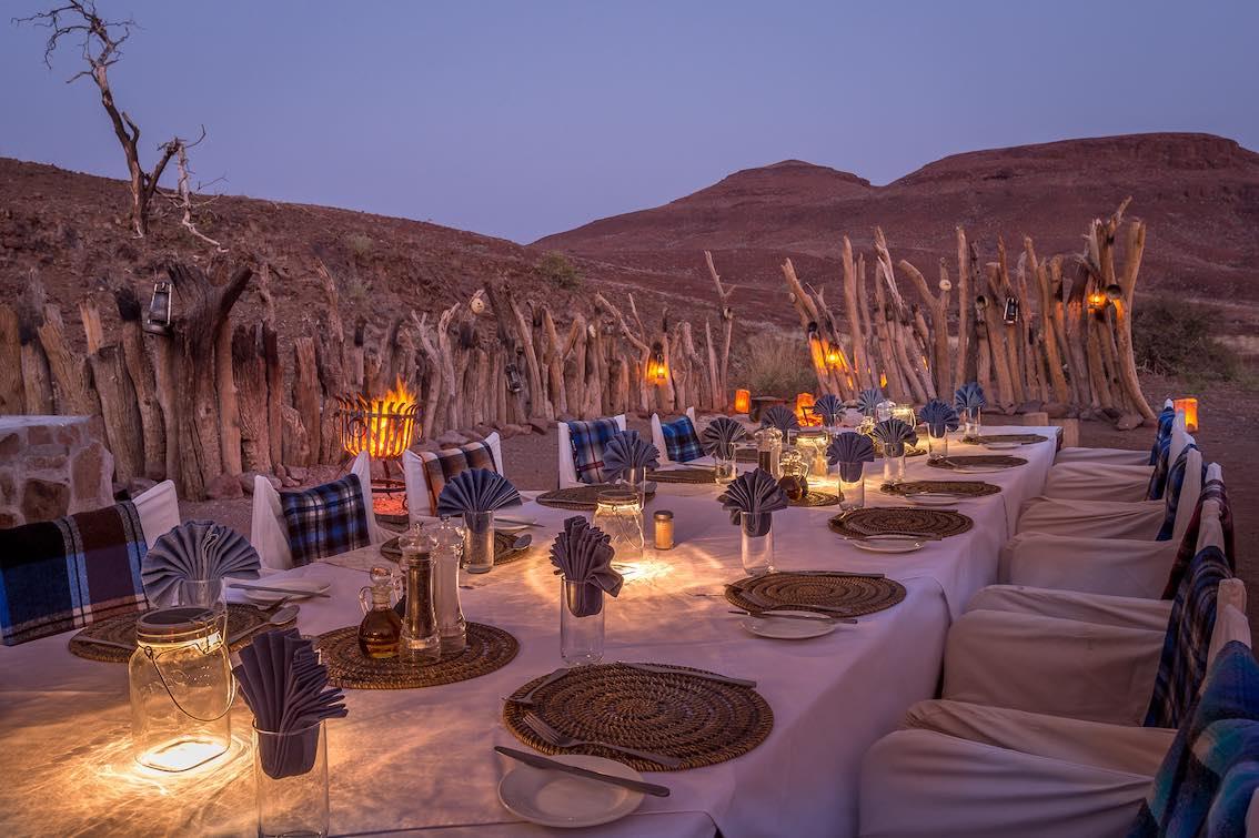 Damaraland Namibia Esstafel Außenbereich