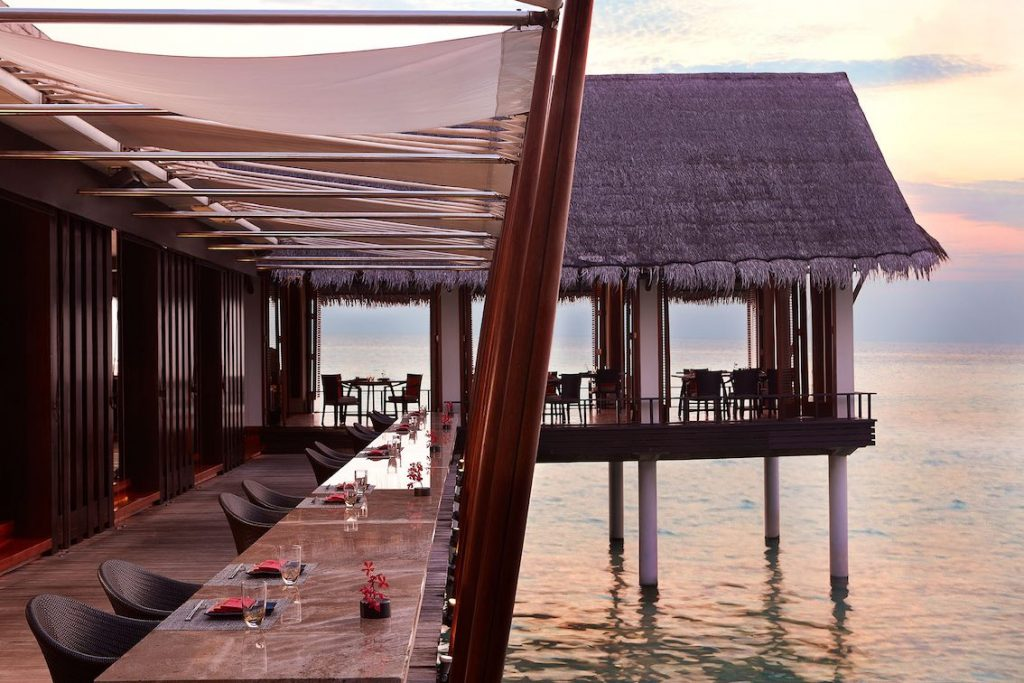 One and Only Reethi Rah_Tapasake_Terrace_LR Kopie