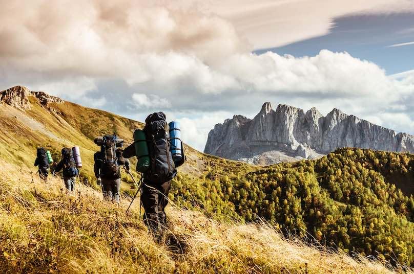 Bergwandern-in-der-Gruppe-buchen 1
