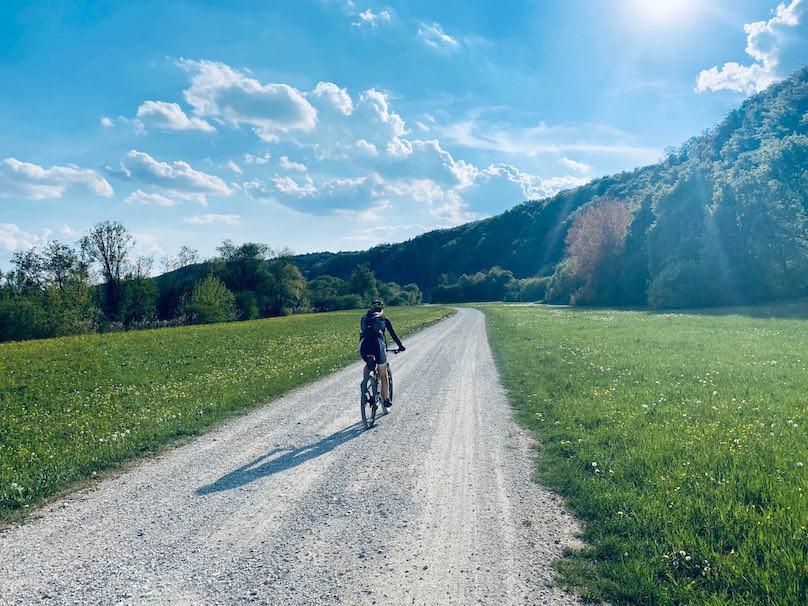 Radfahren an der Donau bei Regensburg
